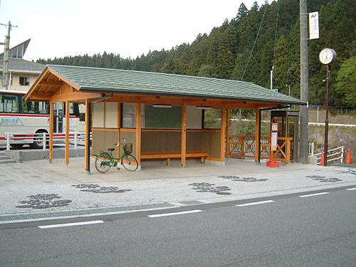 施工実績【壁材】バス停待合所 ...